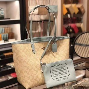 NWT Authentic Coach Reversible 2in1 city tote